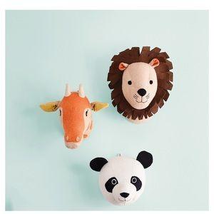 Panda head wall decor